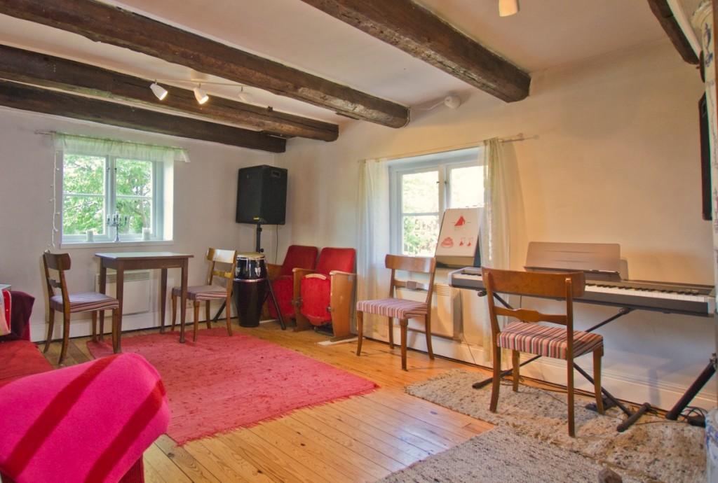 Ta sånglektioner i Stockholm på Komplett-sångteknik-huset